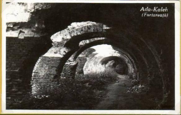 ada_kaleh_ruinele_fortului_1935